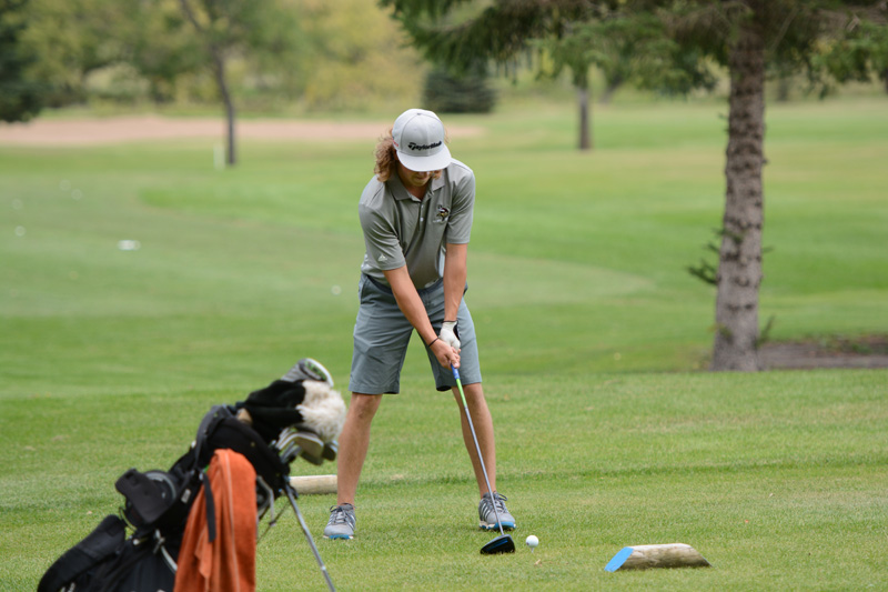 1st 8/31/16 Men's Golf at Jamestown Photo