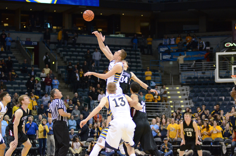 1st 11/9/15 - MBB at Marquette (Credit: Ricky Bassman) Photo