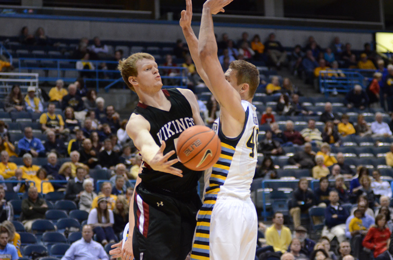 37th 11/9/15 - MBB at Marquette (Credit: Ricky Bassman) Photo