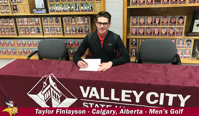 Taylor Finlayson signs his letter of intent to play golf at VCSU.