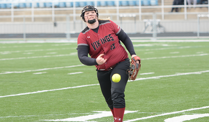 Ashley Metcalf pitches Saturday for Valley City State. (Jake Pommerer/VCSU)