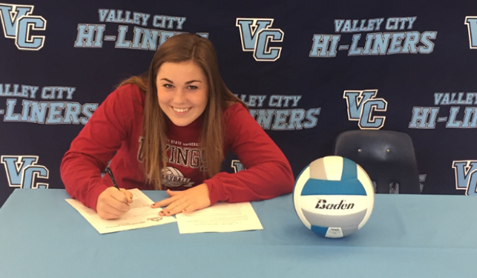Reagan Ingstad signs her letter of intent to attend VCSU and play for the Vikings.