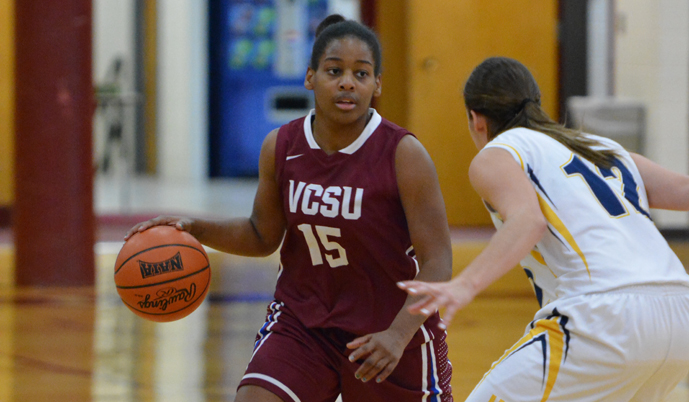 Sadiqah Jihad dribbles up the floor Saturday against Brandon University. (Mark Potts/VCSU)